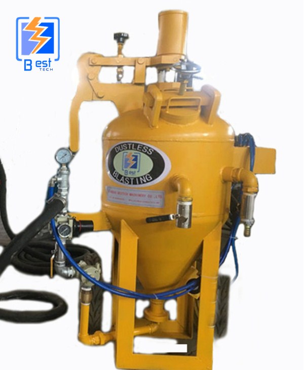 Dustless sand blasting pot